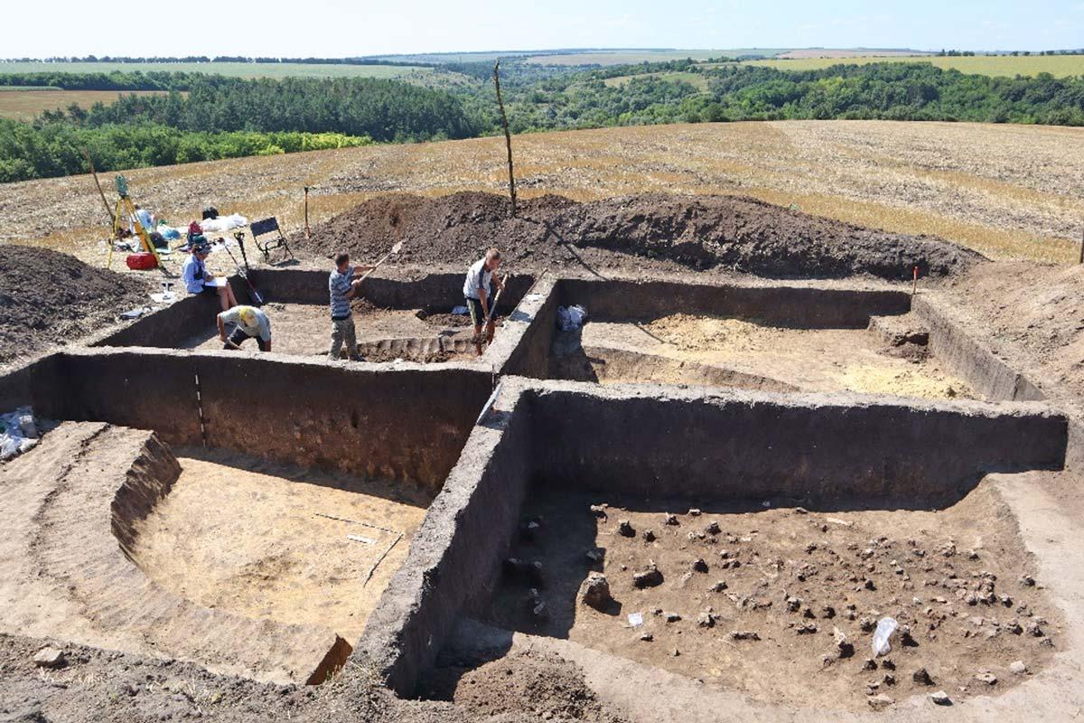 Archäologische Gruben in Kisnytsia
