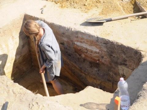 Ausgrabungsarbeiten eines Grubenbefundes in Kakucs.