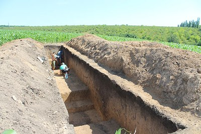 The settlement Trostiyanchyk was fortified by two parallel ditches
