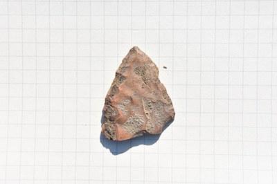 Knapped arrowhead in jaspoide schist