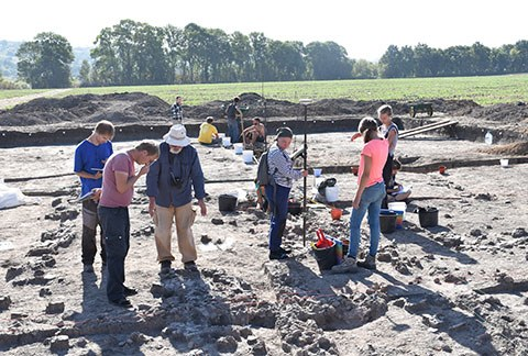Fieldwork and excavation of the mega-site Maidanetske