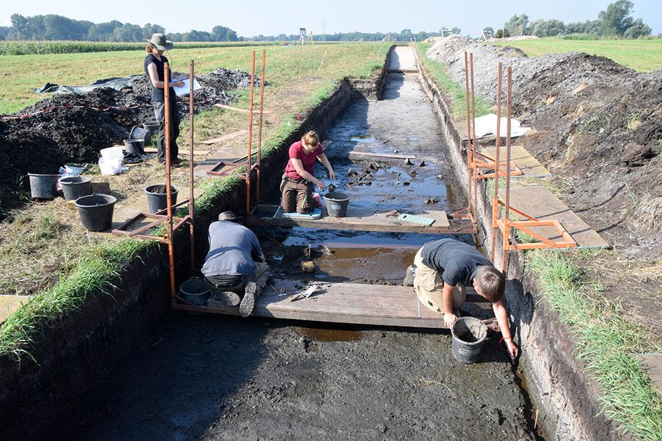 Ausgrabung mit Grabungsbrücken